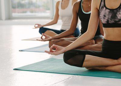 projektbild yoga 400x284 - Abteilungen