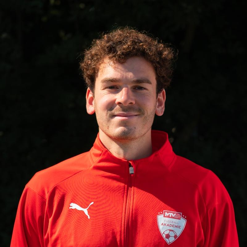 Tim Vogel Leitung der Fussballakademie  - Fußball-Akademie