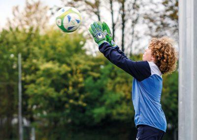 beitragsbild fussball akademie 400x284 - Sportschulen & Akademien