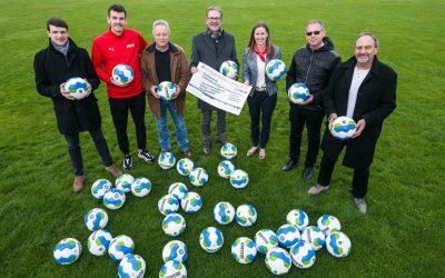 Fairtrade-Fußbälle für Ludwigsburger Vereine